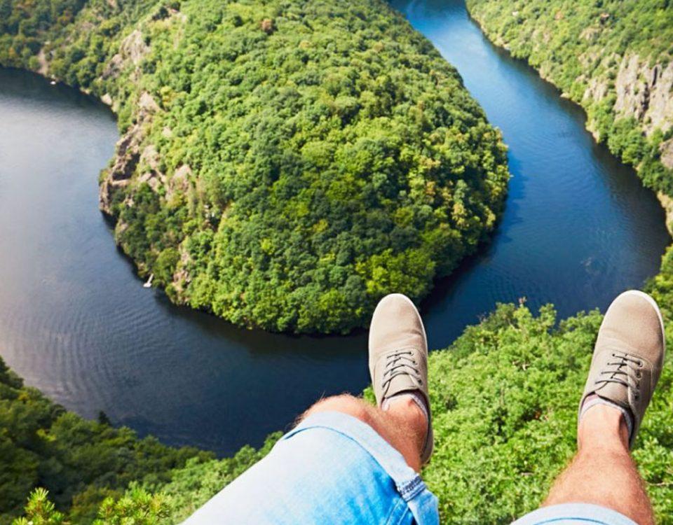 Yükseklik Korkusu (Akrofobi) Nedir? Tedavisi Mümkün mü?